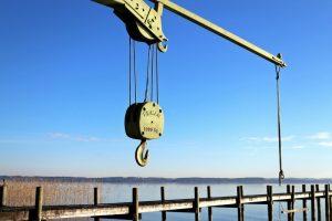 Maszyny służące ograniczeniu obciążenia układu mięśniowo - szkieletowego przy pracach ręcznych związanych z przemieszczaniem ciężkich ładunków – do 450 kg (ręczne wózki paletowe/platformowe, wciągniki i żurawiki)